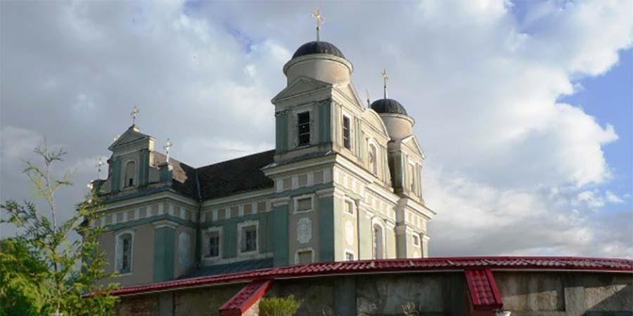 Костел в Лучай