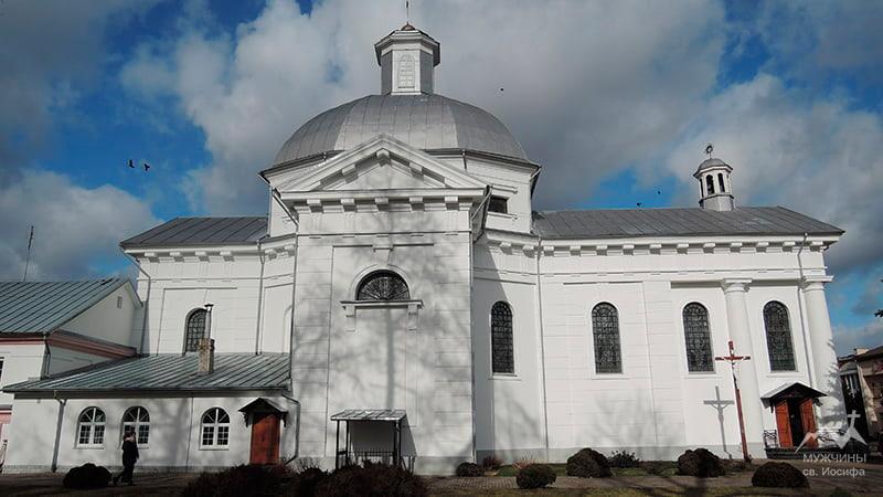 Щучин костел Святой Терезы Авильской – видео история и фото