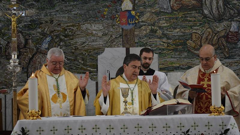Служба в католическом костеле фото