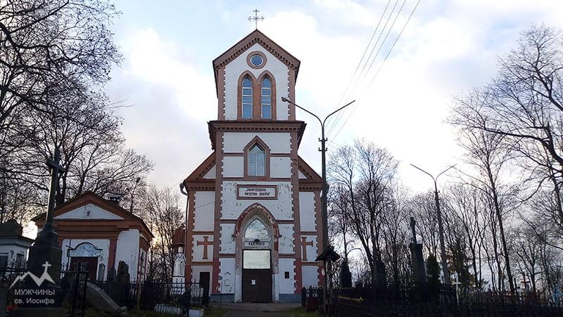 Костел на Кальварийском кладбище в Минске фото