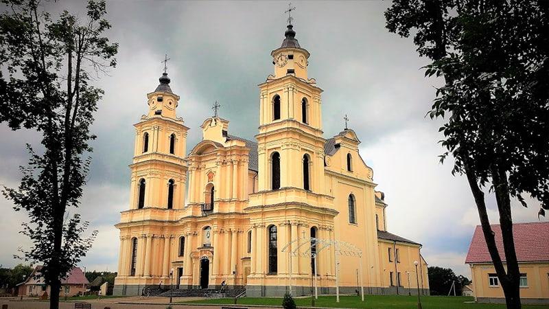 Будславский костел Вознесения Пресвятой Девы Марии и монастырь бернардинцев фото